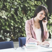 Seria LifeBook jest skierowana przede wszystkim do użytkowników biznesowych, którzy potrzębują wydajnych i efektywnych urządzeń do prac biurowych