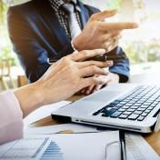 Regularnie powstające serie laptopów biznesowych sprawiły, że poprawny dobór sprzętu może okazać się sporym wyzwaniem
